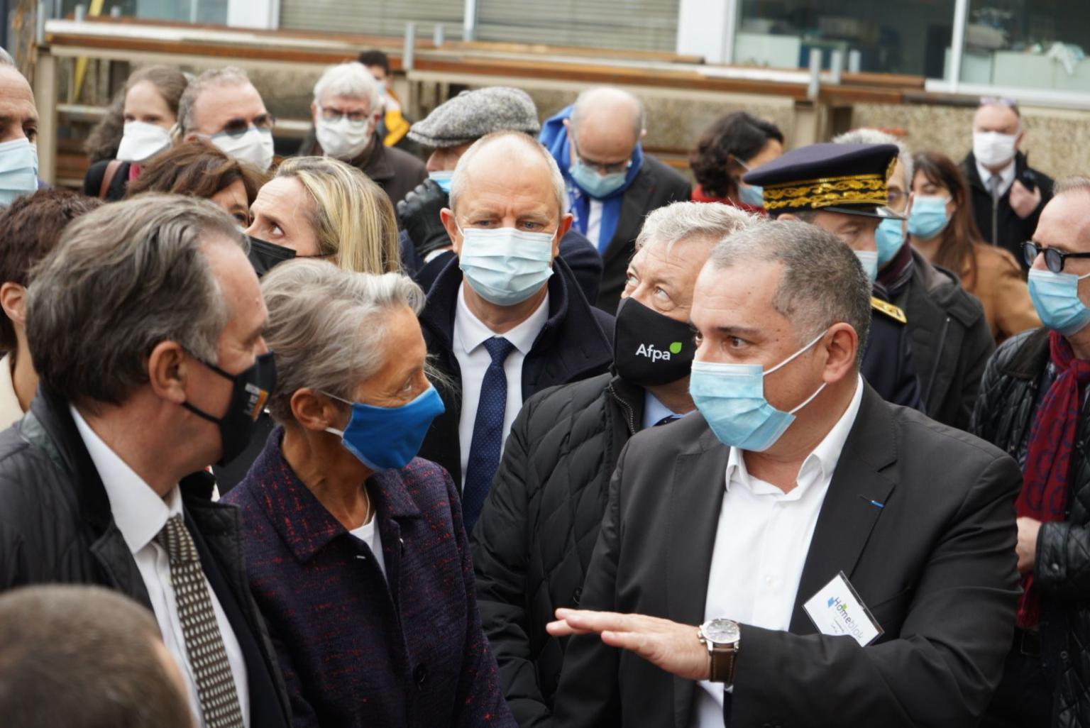La Ministre du Travail Elisabeth Borne visite l'usine Homeblok